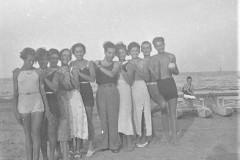 spiaggia-con-parenti-e-amici